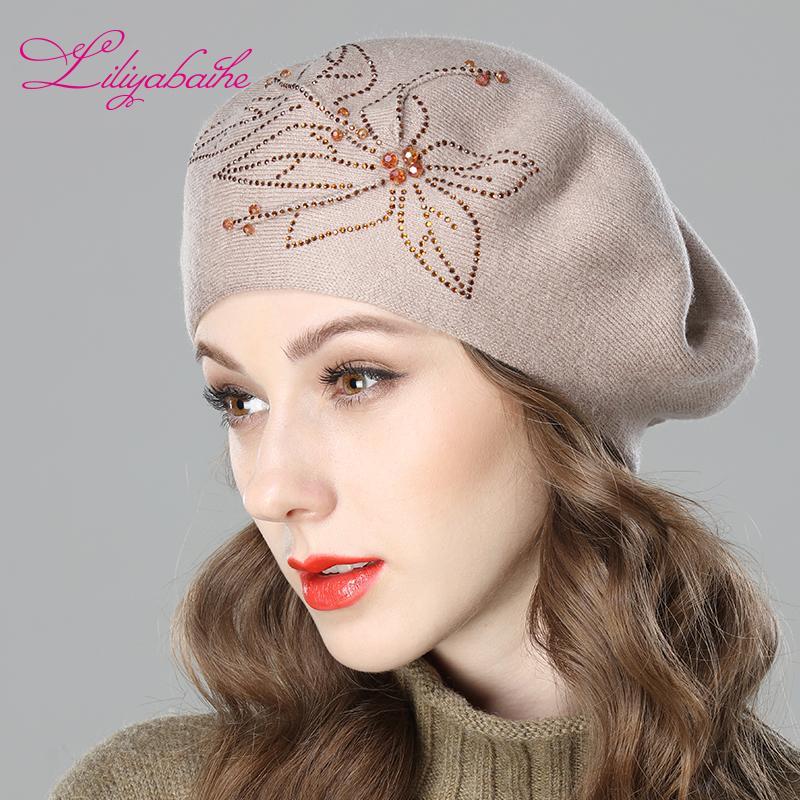 Acheter Liliyabaihe New Femmes Bonnet D hiver Laine Bérets, Casquettes  Fleur Diamant Décoration Couleurs Solides Chapeau De Dame De Mode De  24.94  Du ... 0461bc648f1