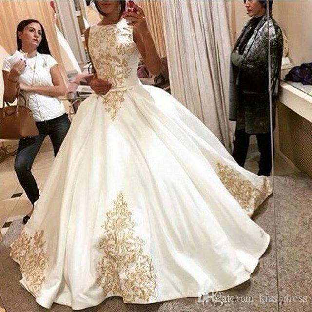 Vestidos de novia blancos y dorados de Dubai 2019 Vestidos De Noiva Barrido de tren Joya Escote Apliques Vestido de bola Satén Vestidos de novia W1012