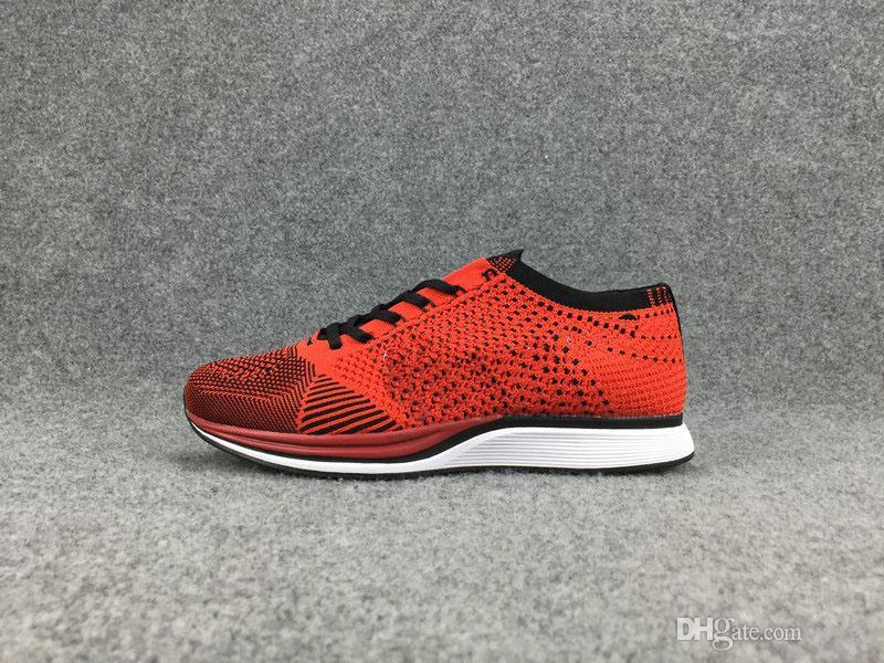 flyknit de la marca 2018 Calidad Al Por Mayor 2017 Hombres Mujeres Casual Racer Trainer Chukka Negro Rojo Azul Gris Ligero Transpirable Zapatos para caminar