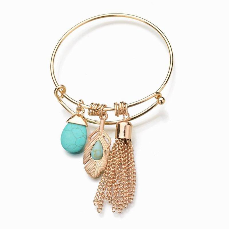 b7486ae04f3d Las borlas de oro de moda pulseras del encanto brazaletes para las mujeres  de cuentas de piedra verde pulsera Femme deja pulseras de cadena joyería