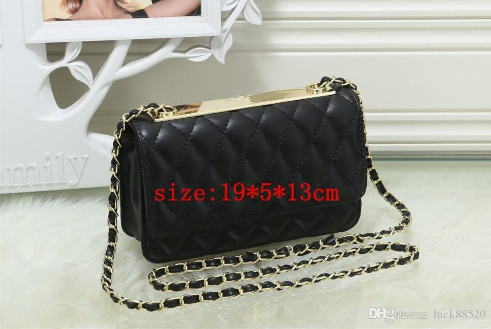 In 2018, the best-selling new fashion one-shoulder bag, the famous American and European designers design women's messenger bag, crossbody b