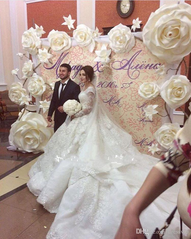 2020 Ball Gown Wedding Dresses Dubai Off Shoulder Lace Tulle Applique Long Sleeve Wedding Gowns Sweep Train Sequins Vintage Bridal Dress