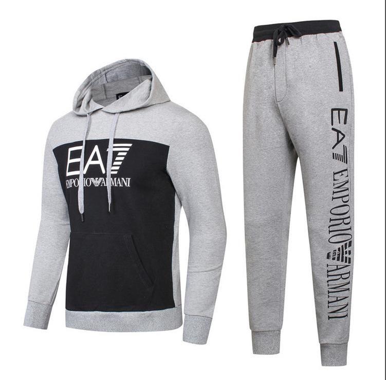 2019 YEEZUDesignerTracksuit MenLuxury Sweat Suits Autumn Brand Mens  Tracksuits Jogger Suits Jacket Pants Sets Sporting Suit Hip Hop Sweatshirts  1 From ... 8afa964671c