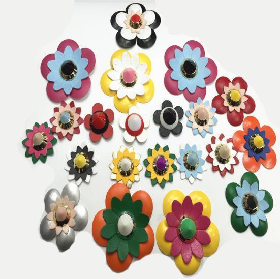 Großhandel Und Taschenband Zubehör Wdpolo Farbige Abs Leder Blumen ...