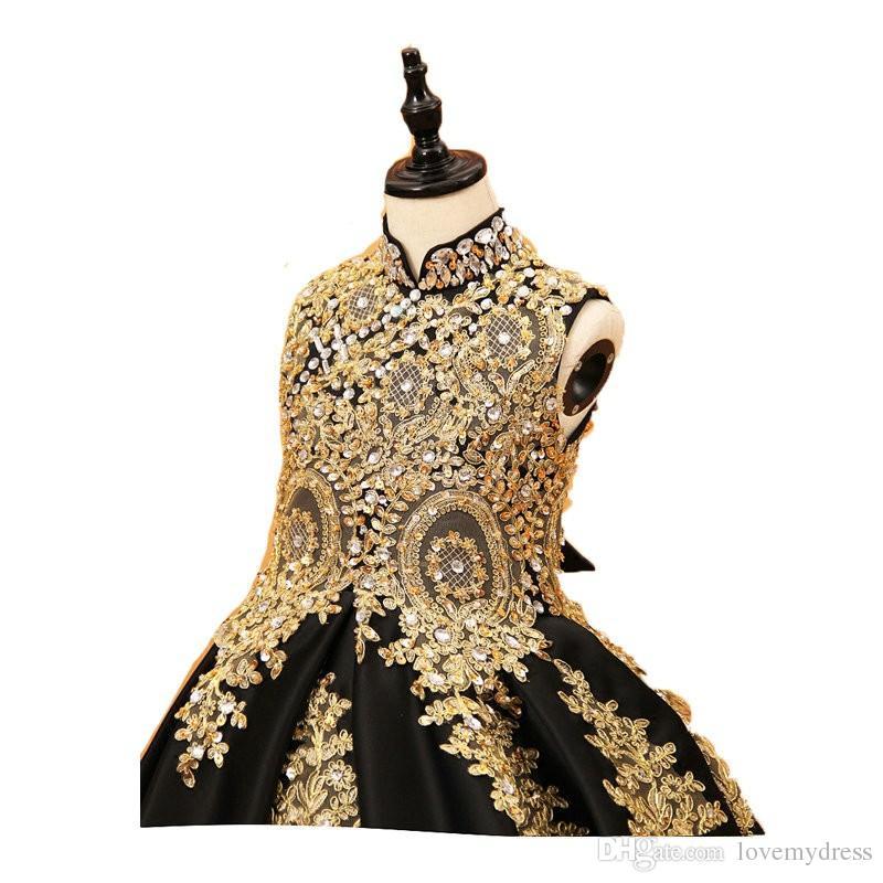 Seksi Siyah Ve Altın Dantel Çiçek Kız Elbise 2020 Yüksek boyun ile Korse Geri Kristal Balo Tasarımcı ilk komünyonu Yarışması Elbise