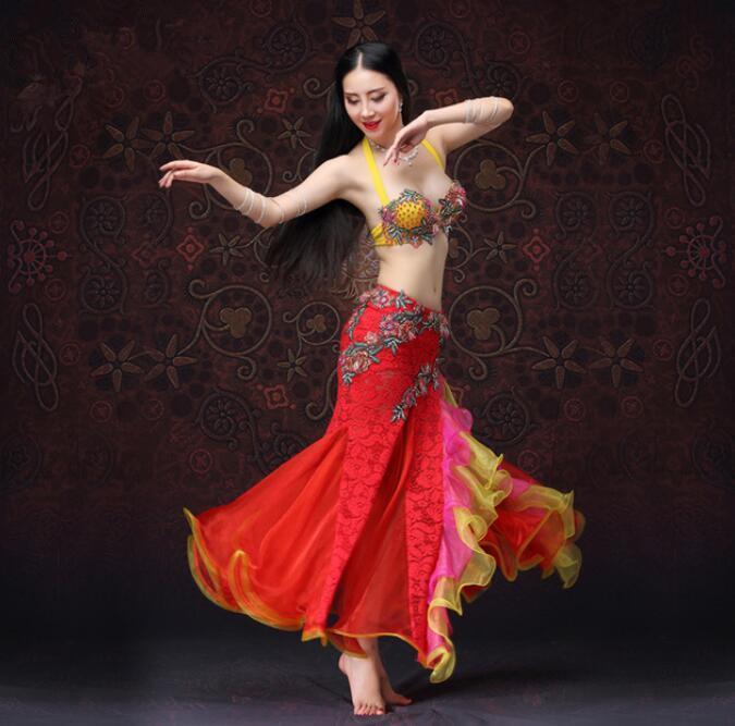 Compre Traje De Baile De La Danza Del Vientre De 2 Piezas Profesional Y  Falda De Encaje Traje De La Demostración De Rendimiento De Egipto De Lujo  Bollywood ... 07137957913
