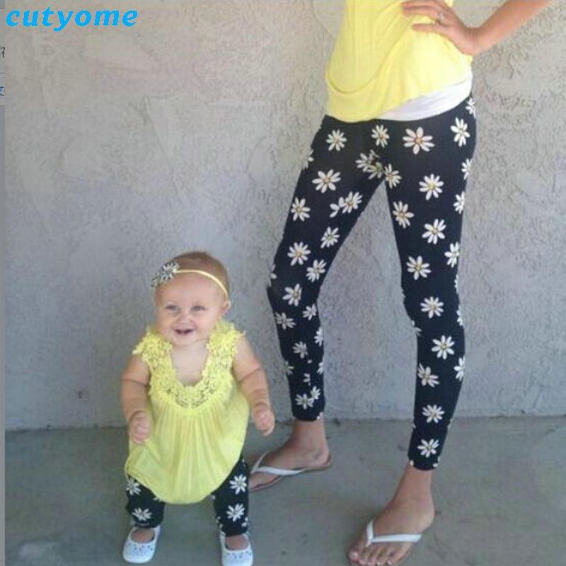 Cutyome Familia configuración uniforme de hija de la madre de ropa para niños Mujer floral de chicas polainas a juego pantalones elásticos trajes de Navidad