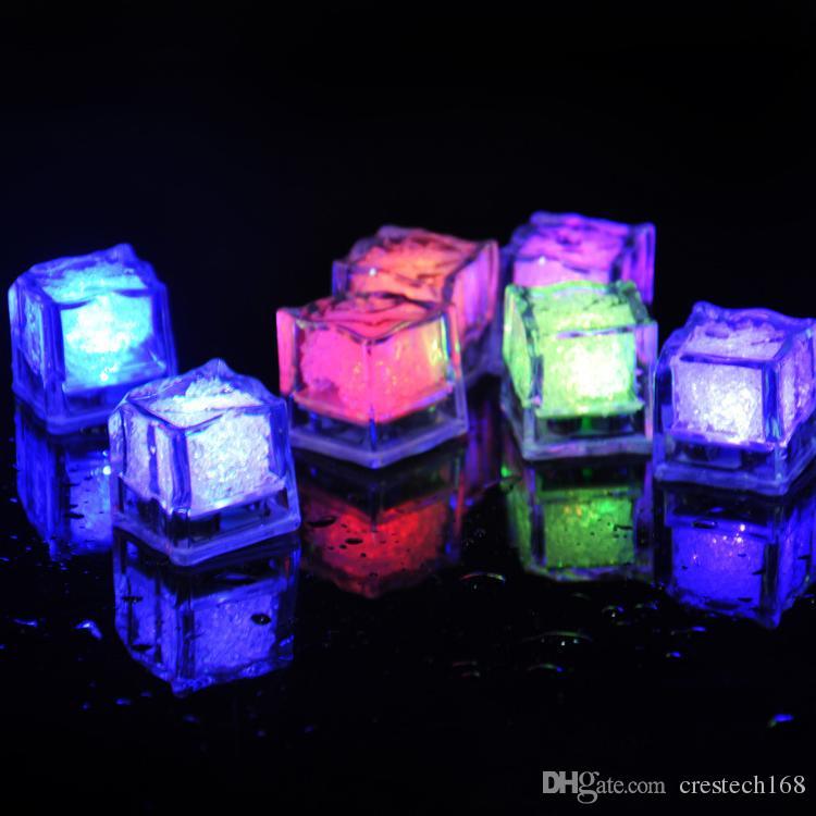 cubo RGB Flash LED luci di lampade Ice Cubes Flash liquido dell'acqua del sensore sommergibile della barra del LED illumina in su la festa di nozze Club Torre Champagne