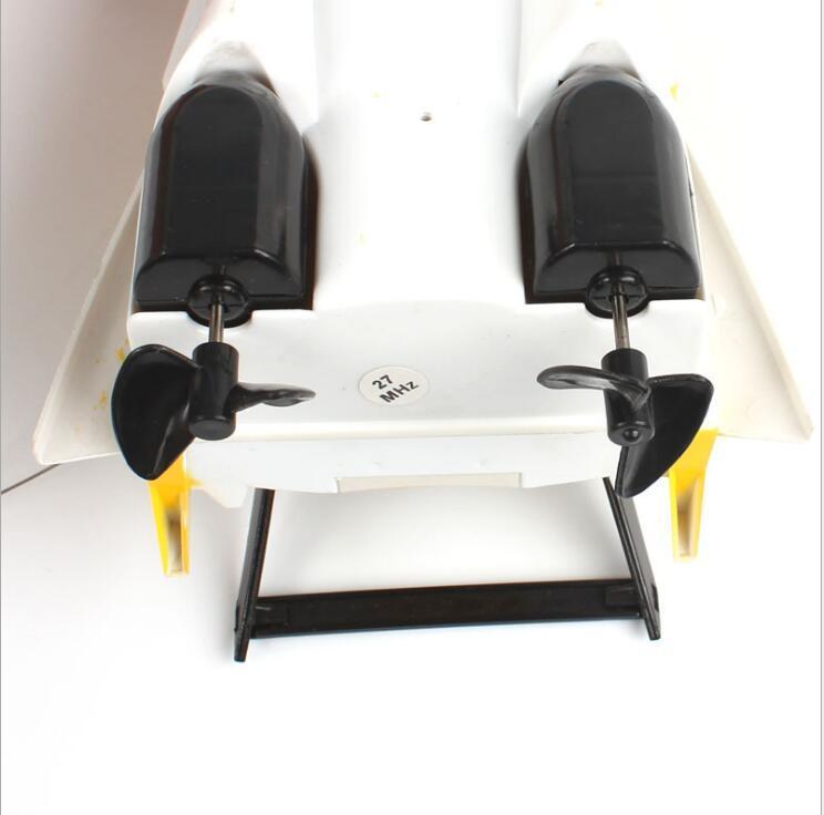 RC Barche Nave potente Double Motor Radio Remote regalo giocattolo di controllo di corsa di velocità elettrico Modello di nave bambini RC Barche veicoli di controllo giocattoli