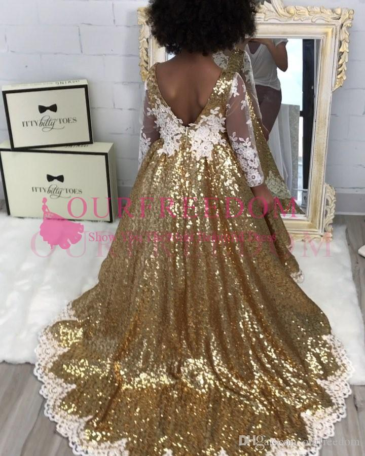2019 New Arrival Gold Sequins Flower Girls Dresses Long Sleeve White Appliques V Back Edge Appliques A Line Sweep Train First Communion Dres