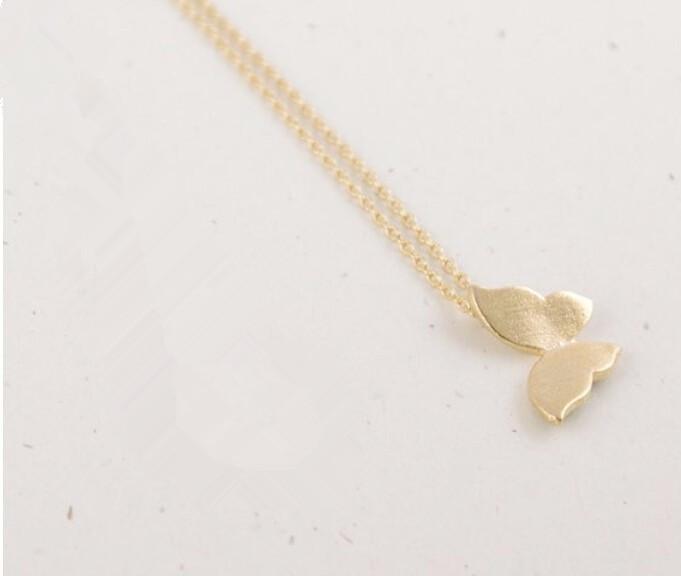 Altın ve Gümüş Moda Kadınlar için Sevimli Kelebek Kolye Zarif Kolye Basit Hayvan Kadınlar Uzun Kolye N169