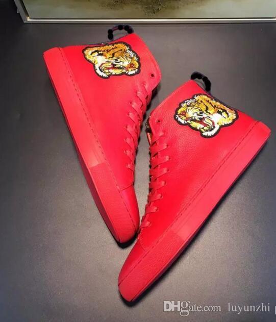Estilo de Italia zapatos de hombre para hombre Bota vaquera Botas de medio cuero genuino talón plano Dedos redondos Modelo de estampados de animales