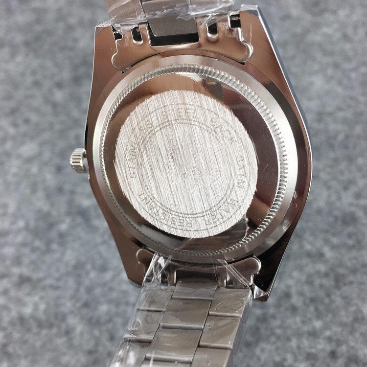 Top Men Chronograph Data apenas Quartz Relógio de luxo Moda Sport Watch Data alta qualidade Relógios de pulso design superior relógio agradável de aço inoxidável