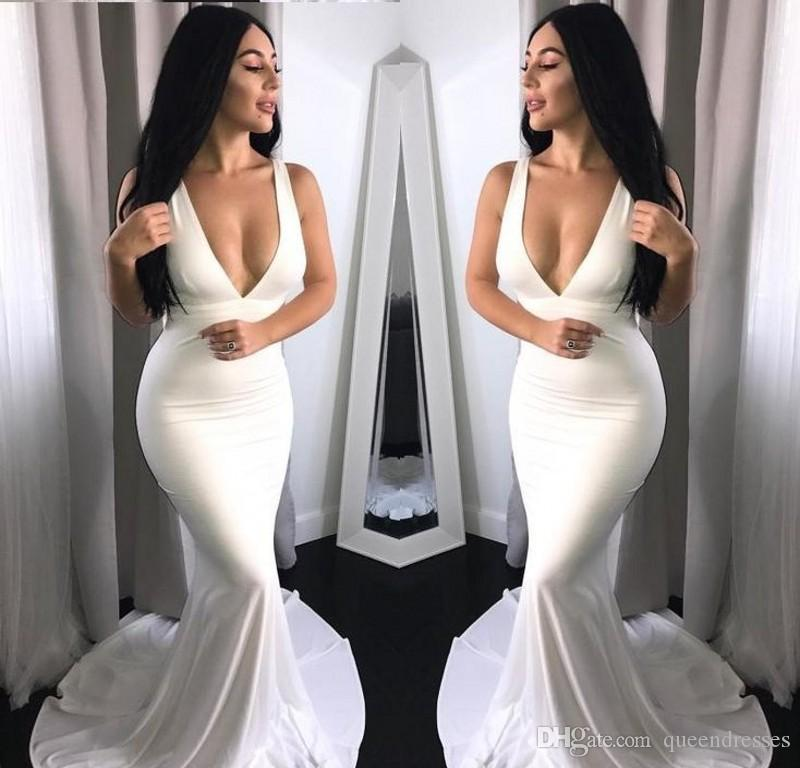 Simple White Long Prom Dresses Halter V Neck Sleeveless Satin Mermaid Evening Gowns Sweep Train Special Occasion Party Prom Dresses Online