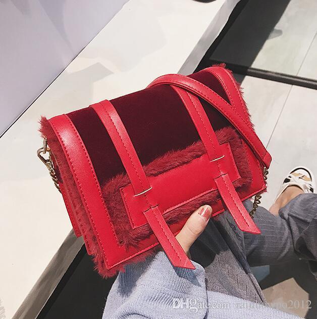 317e6d3e06fe Outlet Brand Women Handbag Winter New Comfortable Soft Plush Messenger Bag  Sweet Cute Velvet Mao Mao Bag INS Super Fire Plush Postman Bag Cheap  Designer ...
