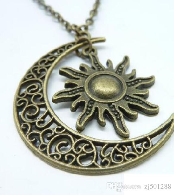 Vintage Argento Bronzo Hollow Crescent Moon Sun Collana Collane Collane Dichiarazione Collane le donne Gioielli Accessori in lega Ragazze fai da te