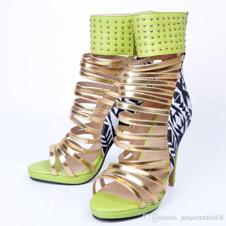 Enchufe de fábrica personalizado Europa y América zapatos de tacones grandes de moda sandalias de personalidad 34-47
