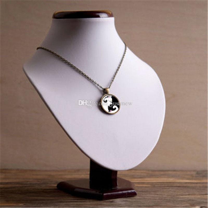 20 UNIDS Nuevo Diseño Yin Yang Chismes Negro y Blanco Gato Tiempo Joya de Cristal Colgante Collar Accesorios Accesorios Para Las Mujeres de Moda regalo