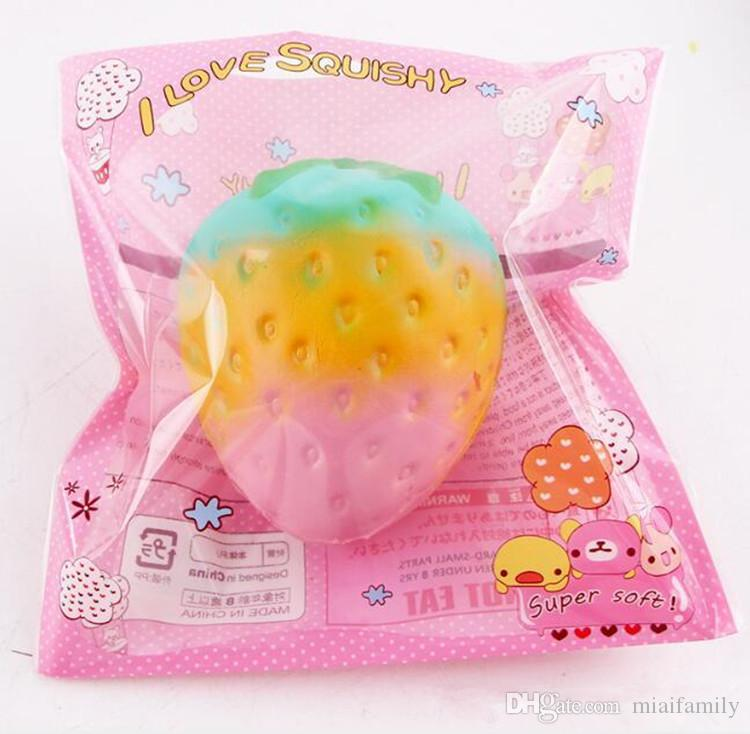 Neue Squishy 11.5 * 9.5CM Super langsam steigende Kawaii Rainbow Strawberry Bunte Brot Charm Phone Straps / Soft Fruit