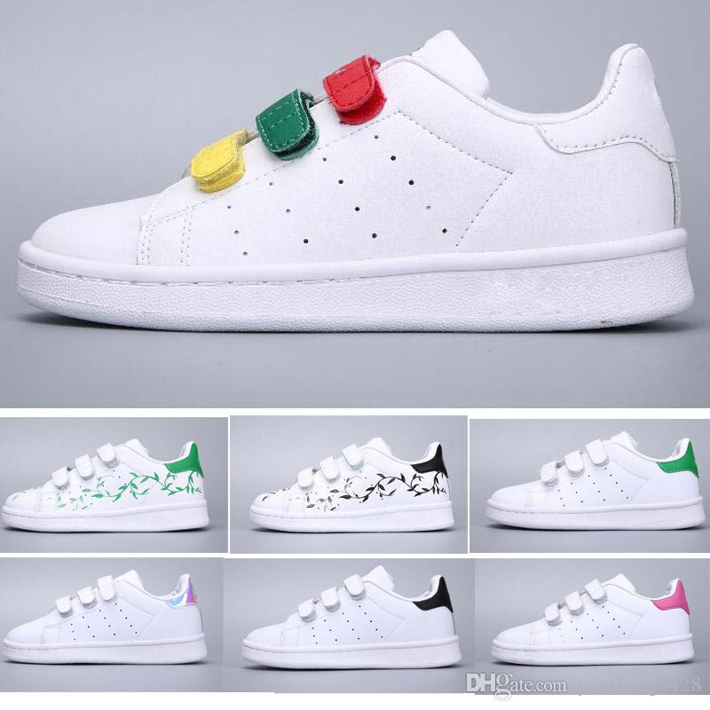 0e3f12f9a3a Christmas SUPER STAR Kids NEW STANSMITH Grils SNEAKERS CASUAL LEATHER  Children Shoes SPORTS JOGGING SHOES Boys CLASSIC FLATS Running SHOES Kids  Sports Shoes ...