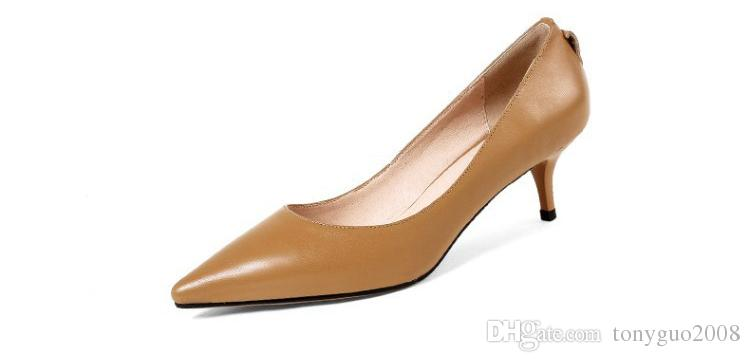 Spring new single shoes, pointed nose leather women's shoes, thin heel, middle heel, low help shoes, three kinds of piercing