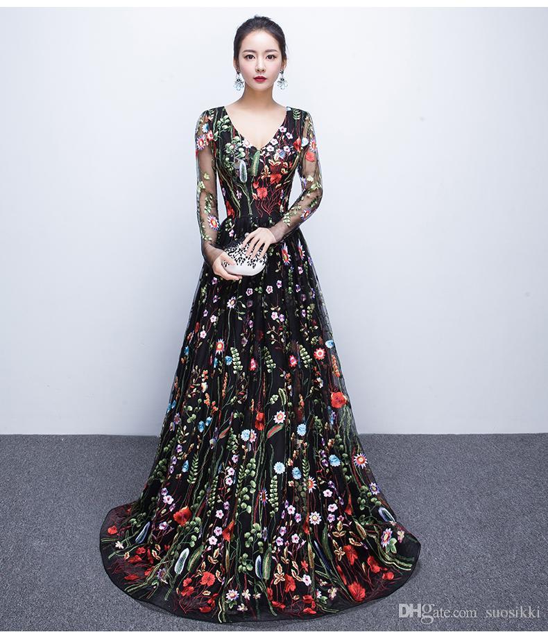 c8d734dc0 Vestidos Longos Para Formatura Vestidos De Noite 2017 Mangas Compridas  Floral Bordado Decote Em V Plus Size Preto Prom Party Dresses Vestido  Formal Com ...