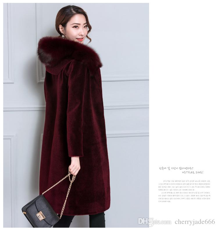2017 autumn and winter new sheep sheared fur coat female long section Haining fox fur wool coat hooded one