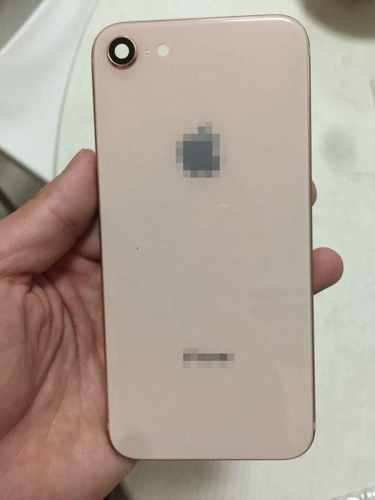iPhone 6 6S 7 Plus Custodia posteriore iPhone 8 Style Metal Glass Cover posteriore rossa piena con tasti laterali come 8+