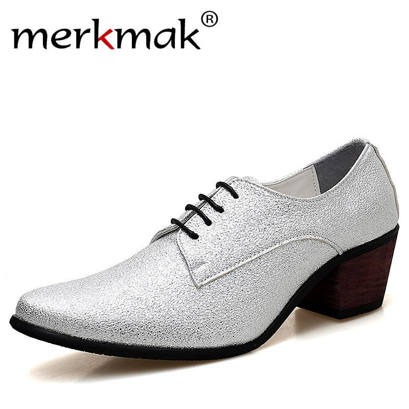 3f2457f43 Compre Merkmak Homens Oxford Vestido Sapatos De Renda Até Dedo Apontado  Sapatos De Salto Alto De Luxo De Ouro De Casamento Noivo Sapatos De Bling  Glitter ...