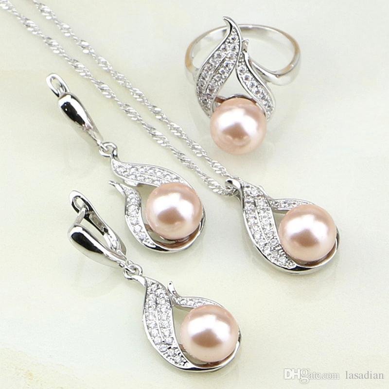 4a81a51f77bf Compre 925 Joyas De Plata Rosa Perlas De Imitación Blanco Circonita Cúbica  Conjunto De Joyas Para Mujeres Pendientes De Boda   Anillo   Colgante    Collar A ...
