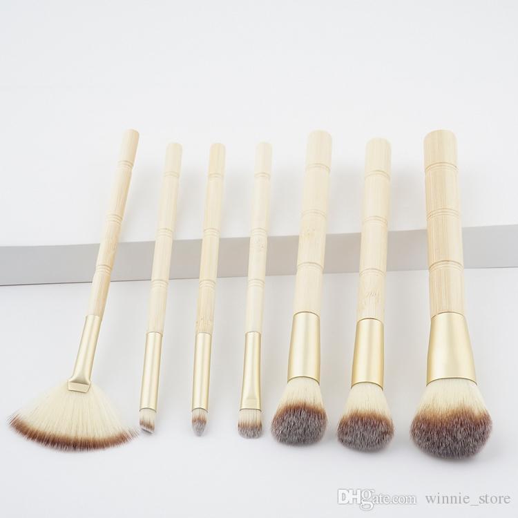 Livraison gratuite par ePacket! Date pinceaux de maquillage ensemble en bambou poignée commune fard à paupières BB crème blush professionnel maquillage outils de brosse