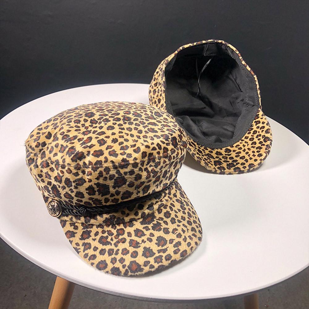 Compre Tendencia 2018 Sombreros De Invierno Para Las Mujeres Estilo Francés  Estampado De Leopardo De Lana Plana Superior Sombrero Femenino Fresco Gorra  De ... 51088c92928