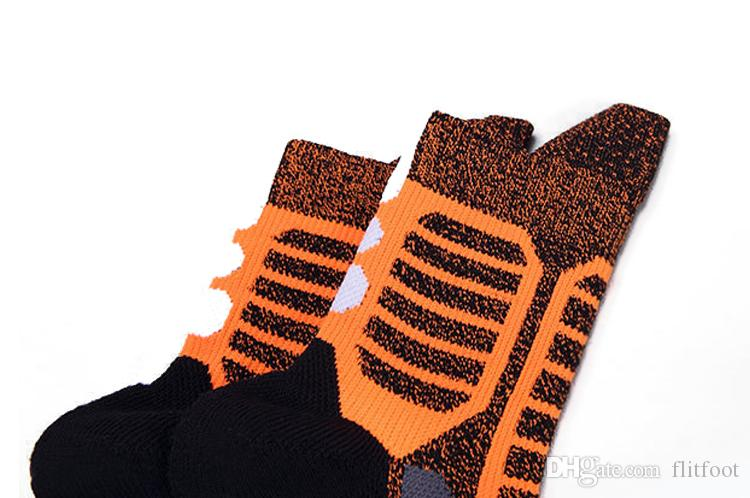 Elite Male Basketball socks thickening Towel bottom Medium stockings Wearable sweaty and breathable moving socks