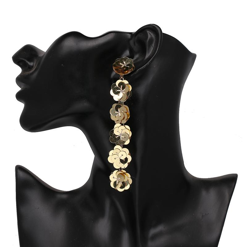 Moda Kadınlar Çiçek Şekilli Uzun Püskül Bildirimi Küpe Kadınlar Düğün Charm Bırak Dangle Küpe