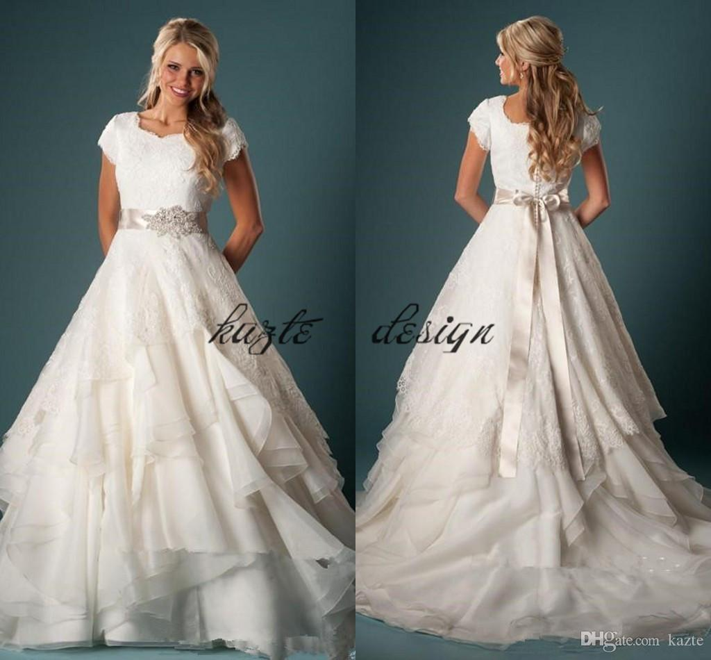 Short Sleeves A-line Tiered Wedding Dresses Lace Bridal Gowns 2018 Country Chapel Vestidos De Mariage Custom Ruffles Plus Size