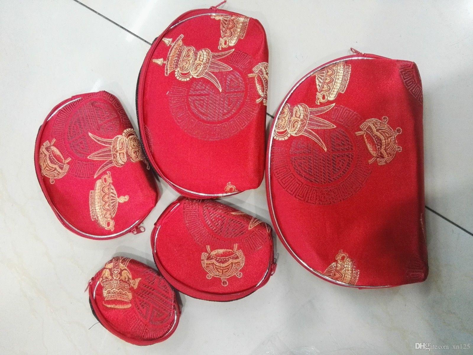 6794735a88 Compre Viagem Beleza Terno / Senhora Cetim Carteira Vermelha Make Up Bolsa  Bolsa Com Zíper Bolsa De Xn125, $21.09   Pt.Dhgate.Com
