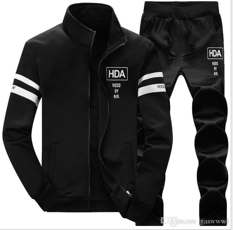 sale retailer 601c7 1e581 Compre Chándal Con Capucha Para Hombre Fleece Sportswear Chándales  Calientes Sweat Homme Casual Chándal Con Chompa Para Hombre Jacket + Pants  2018 A  35.54 ...