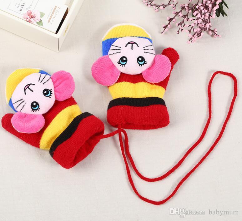Nette Karikaturbabyhandschuhe Winter warme Kinderkinder scherzt Handschuhe nette Jungenmädchen Säuglingshandschuhe gestrickte magische Handschuhe