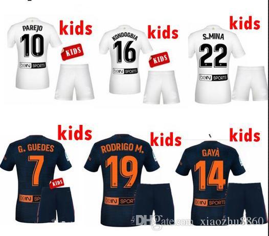 18 19 Kits Para Niños Camisetas De Fútbol Parejo 2019 Rodrigo Zaza Camiseta  De Fútbol Kondogbia C.Soler G.Guedes S.Mina Niños Uniforme De Fútbol ... d80d8b65aa377