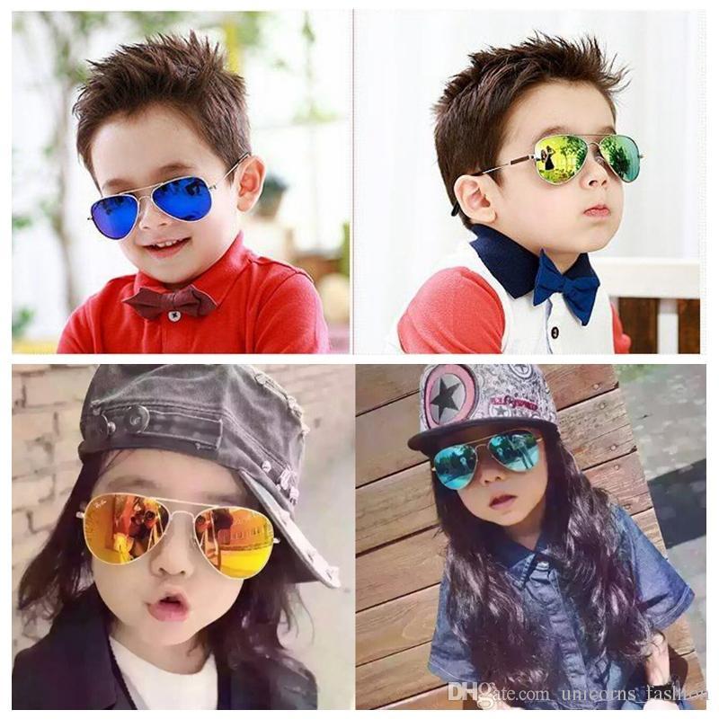 Giydir Moda Bebek Erkek Çocuklar Güneş Gözlüğü Piolt Stil Marka Tasarım Çocuk Güneş Gözlükleri 100% UV Koruma ulculos De Sol Gafas UNY16