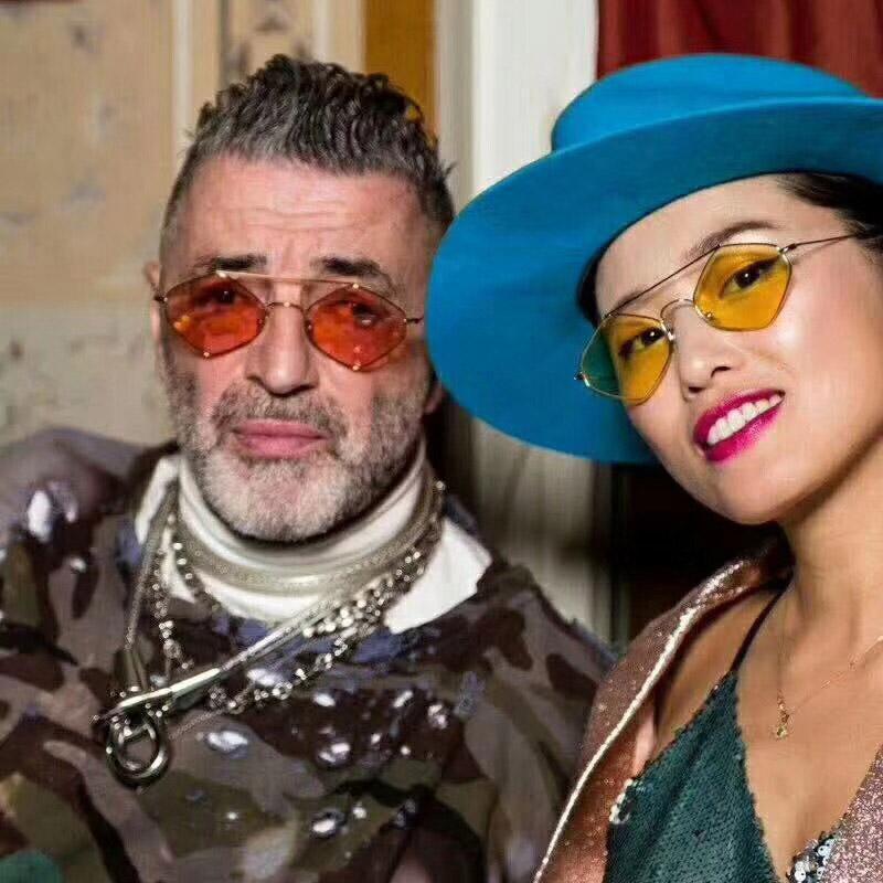 84c8d69232b Compre 90S Hippie Gafas De Sol Vintage Para Mujeres Festival Rave Fiesta  Diamante Gafas De Sol Damas 70S 80S Gafas Rojo Rosa A  39.49 Del Haydene