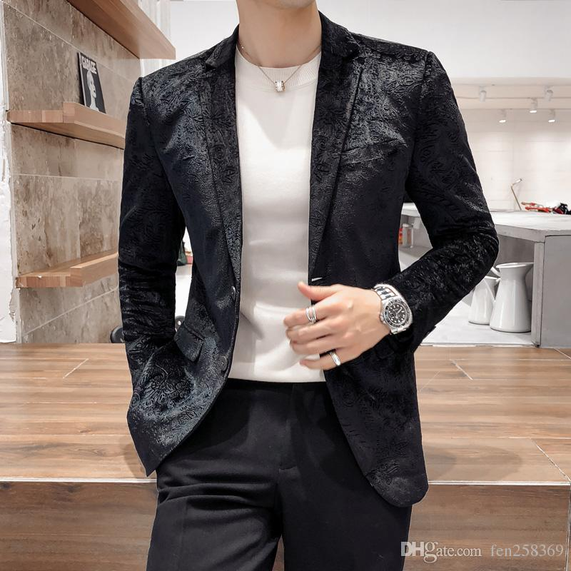 Compre 2018 Primavera Y Otoño Nuevo Traje Pequeño De Los Hombres De Moda  Slim Juventud Moda Traje De Impresión Coreana Chaqueta Hermosa Sección  Delgada A ... c8a0bcbc95d