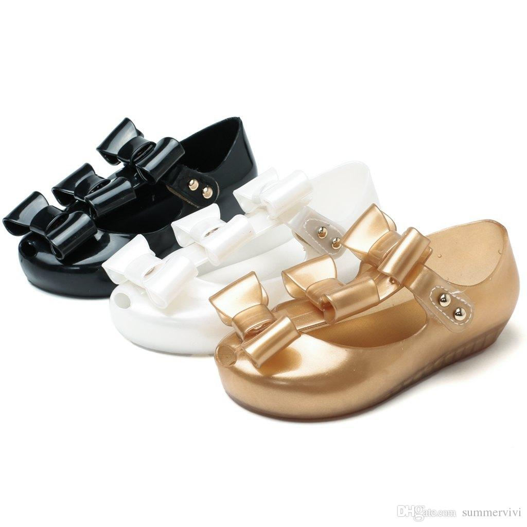 Melissa Jelly Shoes 2018 Summer New Girls Bows Princess Sandals Children  Non-slip Beach Shoes Baby Kids Crystal Fragrance Sandals Y4459 Girls Bows  Princess ... 1ea9eef6537c