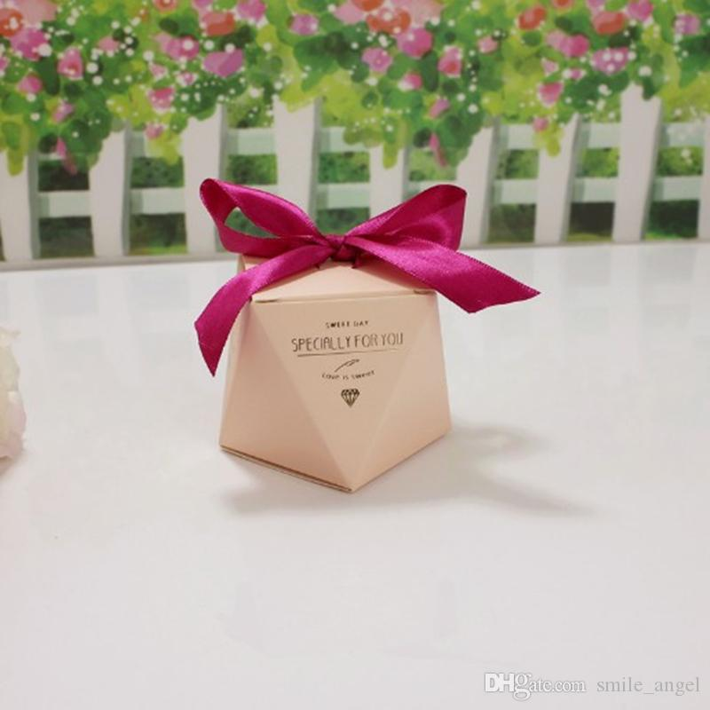 2018 New Wedding Favors Boxes Creative Candy Box With Silk Ribbon Paper Gifts Boxes Baby Shower Party Decoration Diamond Shape