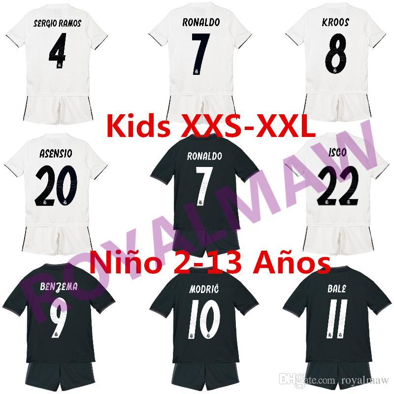 Compre Real Madrid Kids Soccer Jersey Y Shorts Kit Para 2018 19 Temporada  RONALDO KROOS BALE ISCO Home Away Uniforme Fútbol Niños Niño Camiseta A   13.92 Del ... 6307afeed92c6