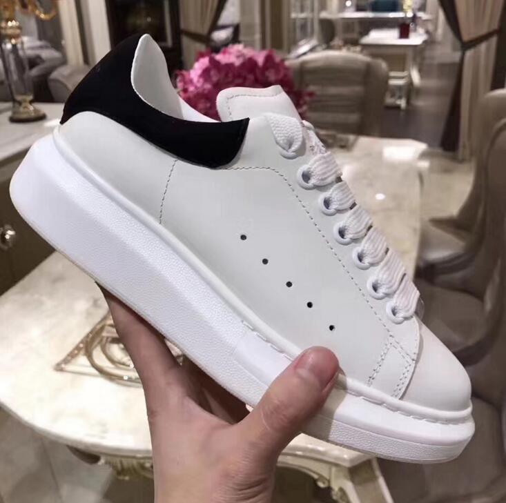 2018 scarpe casual alla moda Parigi vendita calda moda donna Womens Designer Sneakers Street Calzature Abito scarpe da tennis Vendita calda