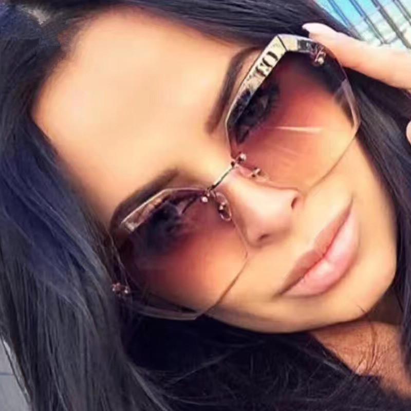 Compre Luxo Sem Aro Do Vintage Óculos De Sol Das Mulheres Designer De Marca  Oversized Retro Feminino Óculos De Sol Óculos De Sol Para As Mulheres  Senhora ... 8da60a81af