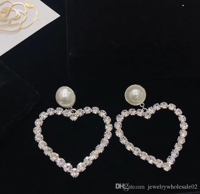 1e5ab91551 2018 European and American fashion diamond heart earrings big pearl  earrings jewelry counters with the same paragraph free shipping