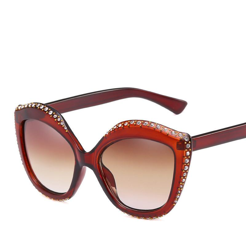 75dc8e614690c Großhandel Sexy Crystal Cat Eye Sonnenbrille Männer Frauen Trendy Marke  Design PC Flache Objektiv Rahmen Retro Brillen UV400 Oculos De Sol Feminino  Von ...