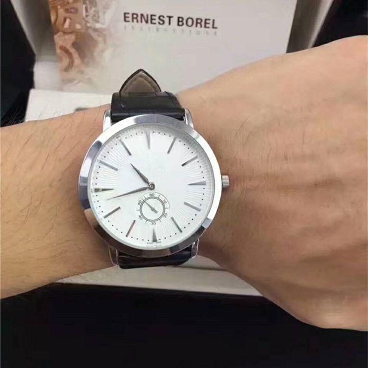 11744dd6c3dc Compre Famoso Nuevo Modelo De Moda Estilo Mujeres Hombre Reloj De Señora Reloj  De Pulsera De Cuero De Plata Steel Amante De Las Empresas Reloj De Alta ...